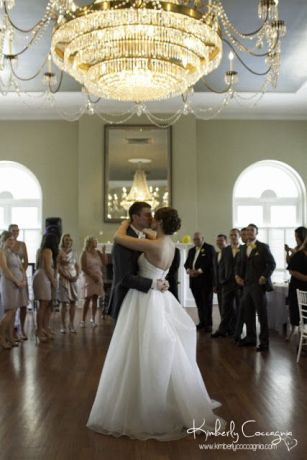 Hudson Valley Wedding First Dance Set to Music by DJ Bri Swatek at the Highlands Country Club Courtesy of Kimberly Coccagnia Photography