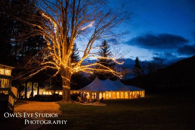 Hudson Valley Wedding Tent Uplighting by DJ Bri Swatek at Full Moon Resort Courtesy of Owl's Eye Studios