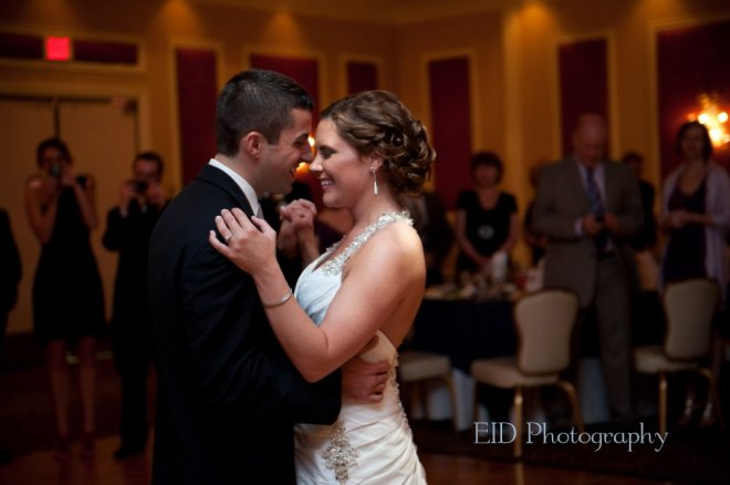 Hudson Valley Wedding First Dance at the Grandview Set to Music by DJ Bri Swatek Courtesy of EID Photography