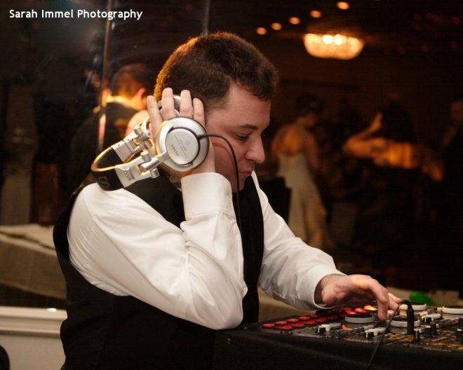 Hudson Valley Wedding DJ Bri Swatek Spinning with Style Sarah Immel Photography