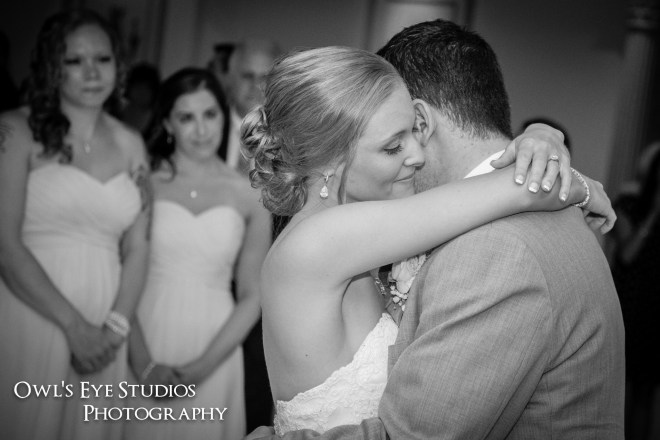 Hudson Valley Wedding First Dance at Villa Borghese with DJ Bri Swatek Courtesy of Owl's Eye Studios