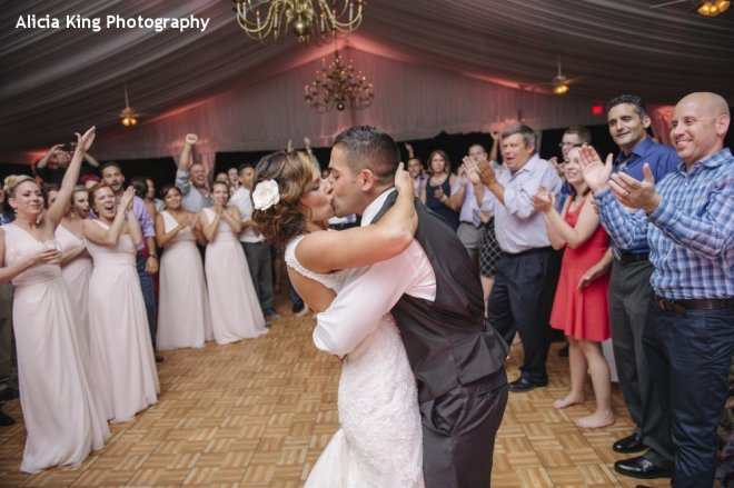 Hudson Valley Wedding DJ Bri Swatek Last Dance Grandview Courtesy of Alicia King Photography