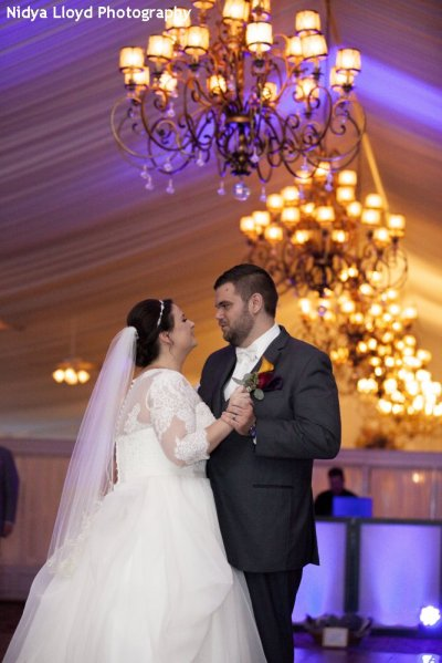 Hudson Valley Wedding DJ Bri Swatek West Hills Nidya Lloyd Photography First Dance KFDLl460